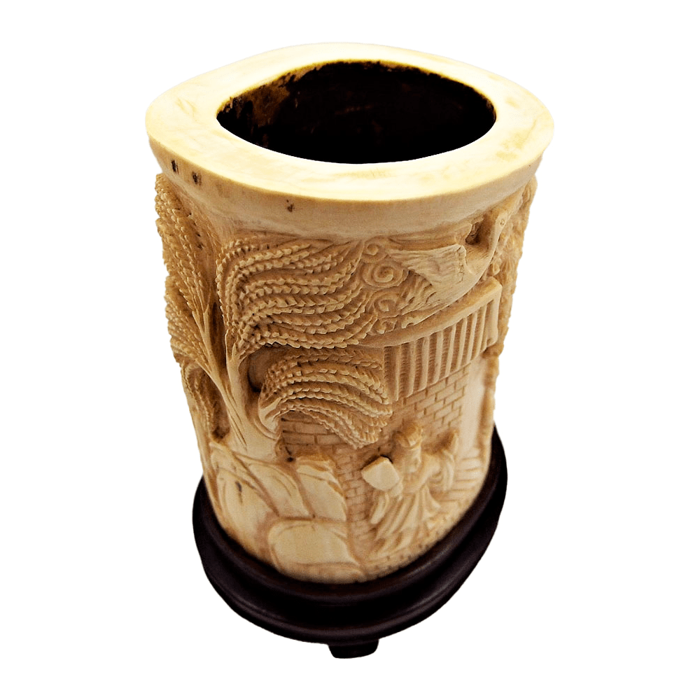 Chinese ivory container for paintbrushes | recipiente chino para pinceles en marfil